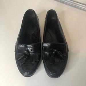 Cole Haan black wingtip kiltie tassel loafers